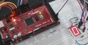 Binary-to-Hex-7-Segment-Arduino-Featured-Image