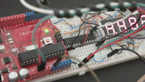 Arduino-4-Digit-7-Segment-LED-Voltmeter-MAX7219-Featured-Image